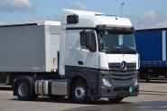 Mercedes Benz Tractor unit 1